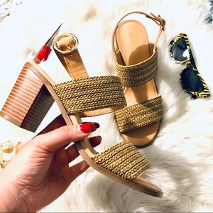Block heel sandals 👡 🤎 with strap closure